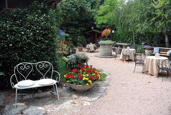 giardino esterno ristorante